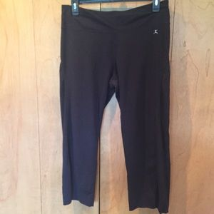 XL DANSKIN black cropped length yoga pants